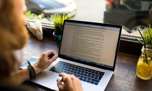 WEBライターが英語力を活かした案件を獲得する方法