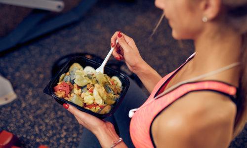 ありすぎて迷う!筋トレやダイエット中の女性に最適な食事法など7種類まとめ