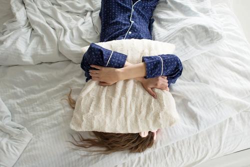 「休みに寝てるだけってヤバイ」と思いつつ、布団から出たくない時の対処法
